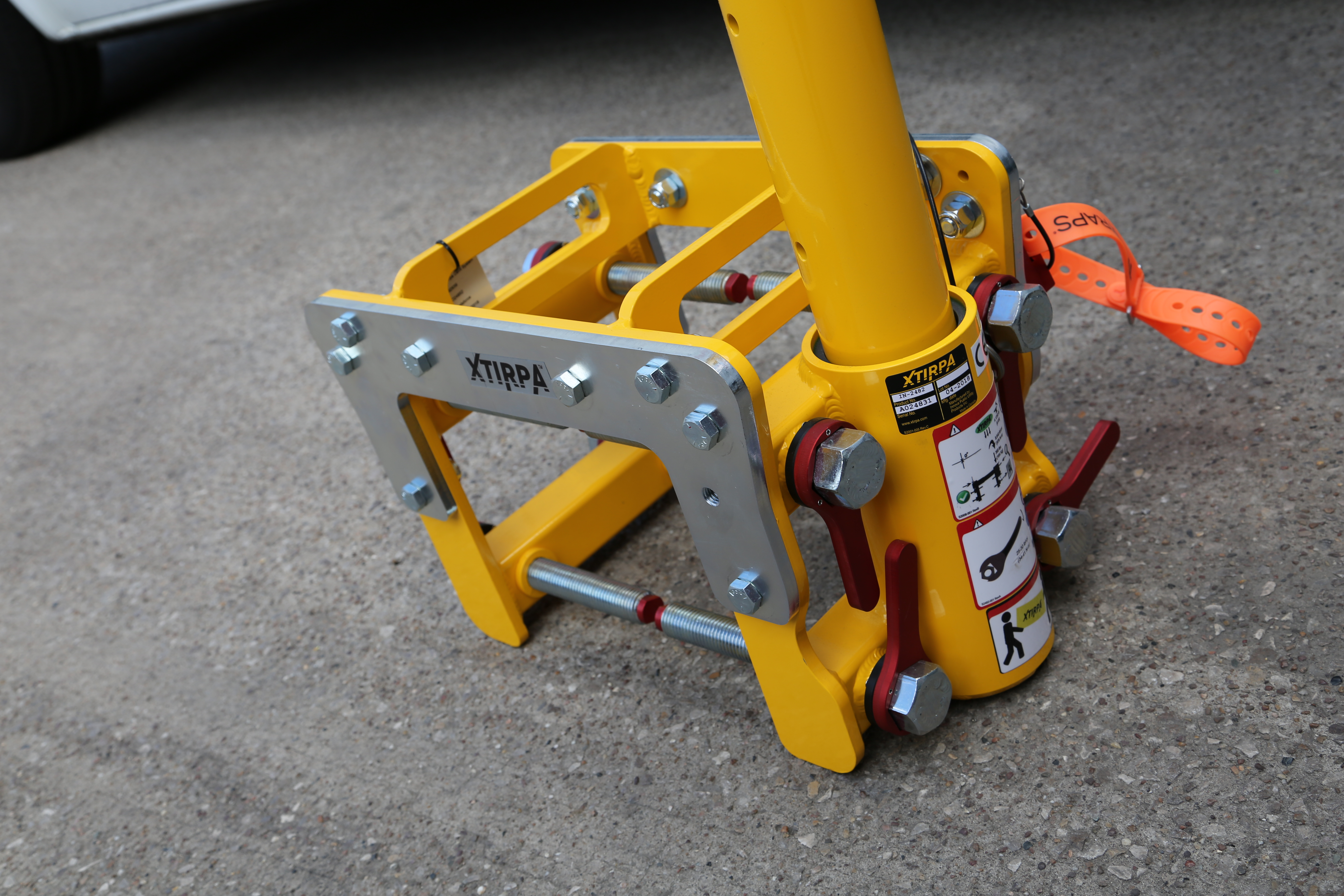 Compact Davit Arm Trench System